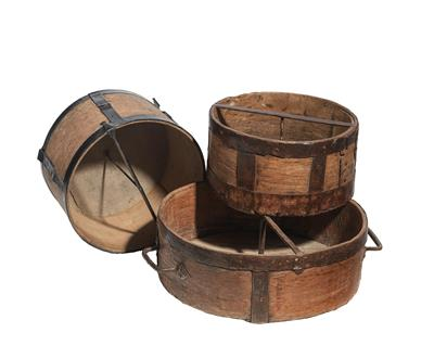 Three capacity grain measure Pots - Antique Scientific Instruments and Globes; Classic Cameras