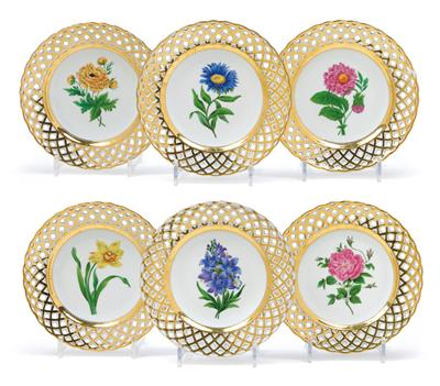 Dessert Plates with Gold Latticework and Flowers, - Sklo a Porcelán