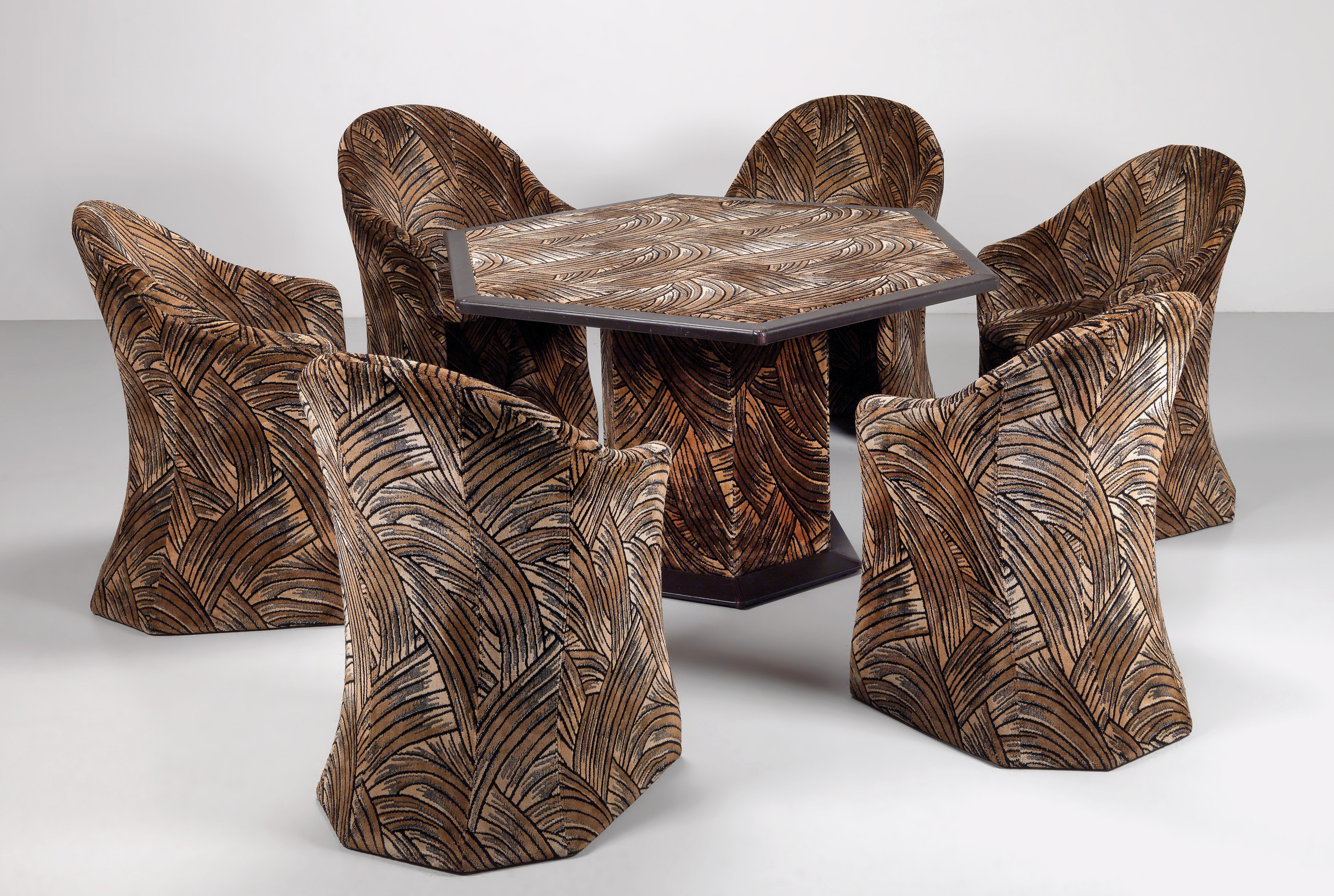 A Set Of Six Chairs And A Dining Table Pierre Cardin Design 2017 06 20 Estimate Eur 3 000 To Eur 5 000 Dorotheum