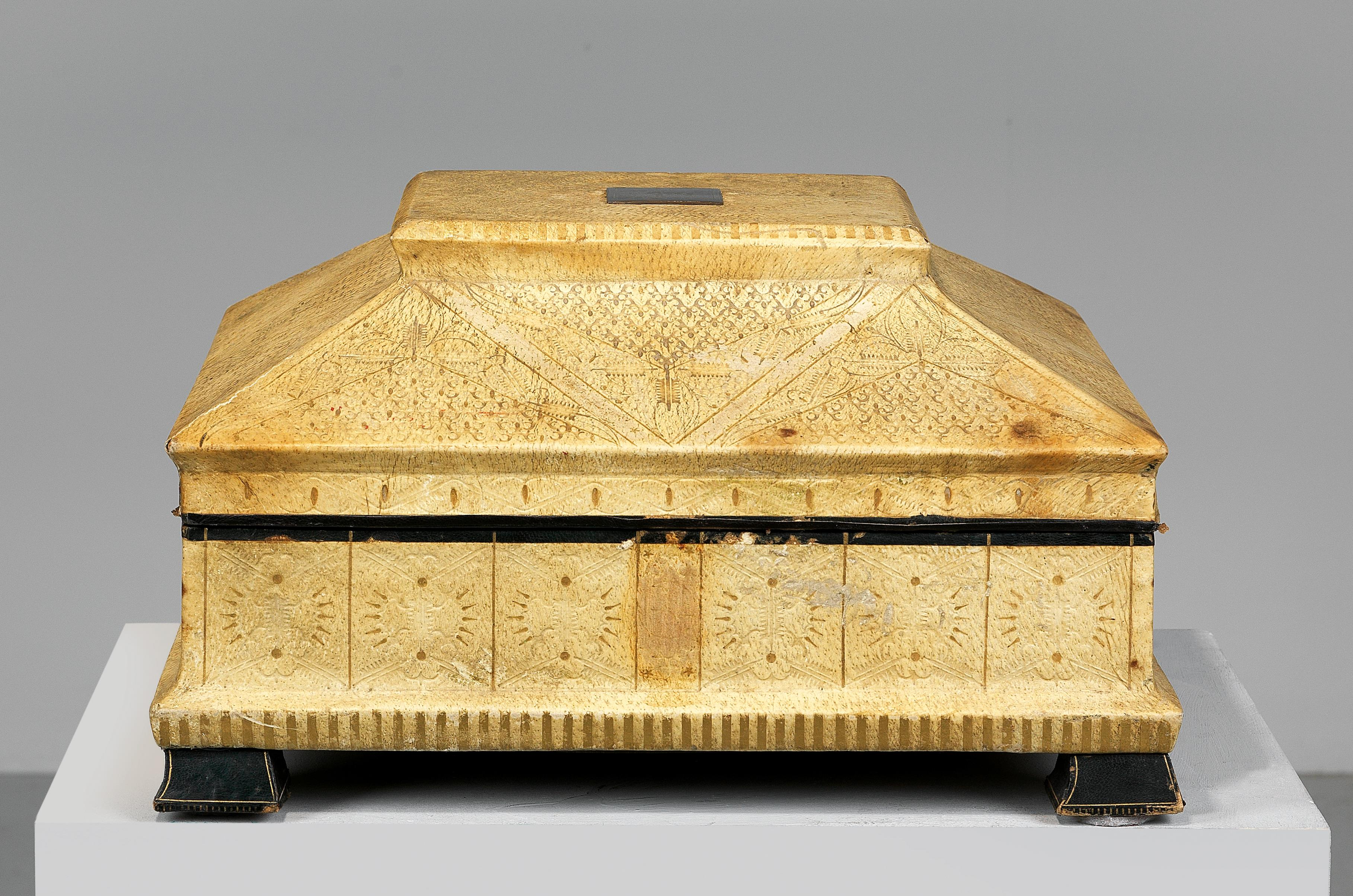 Large Decorative Casket For The 25th Anniversary Of The