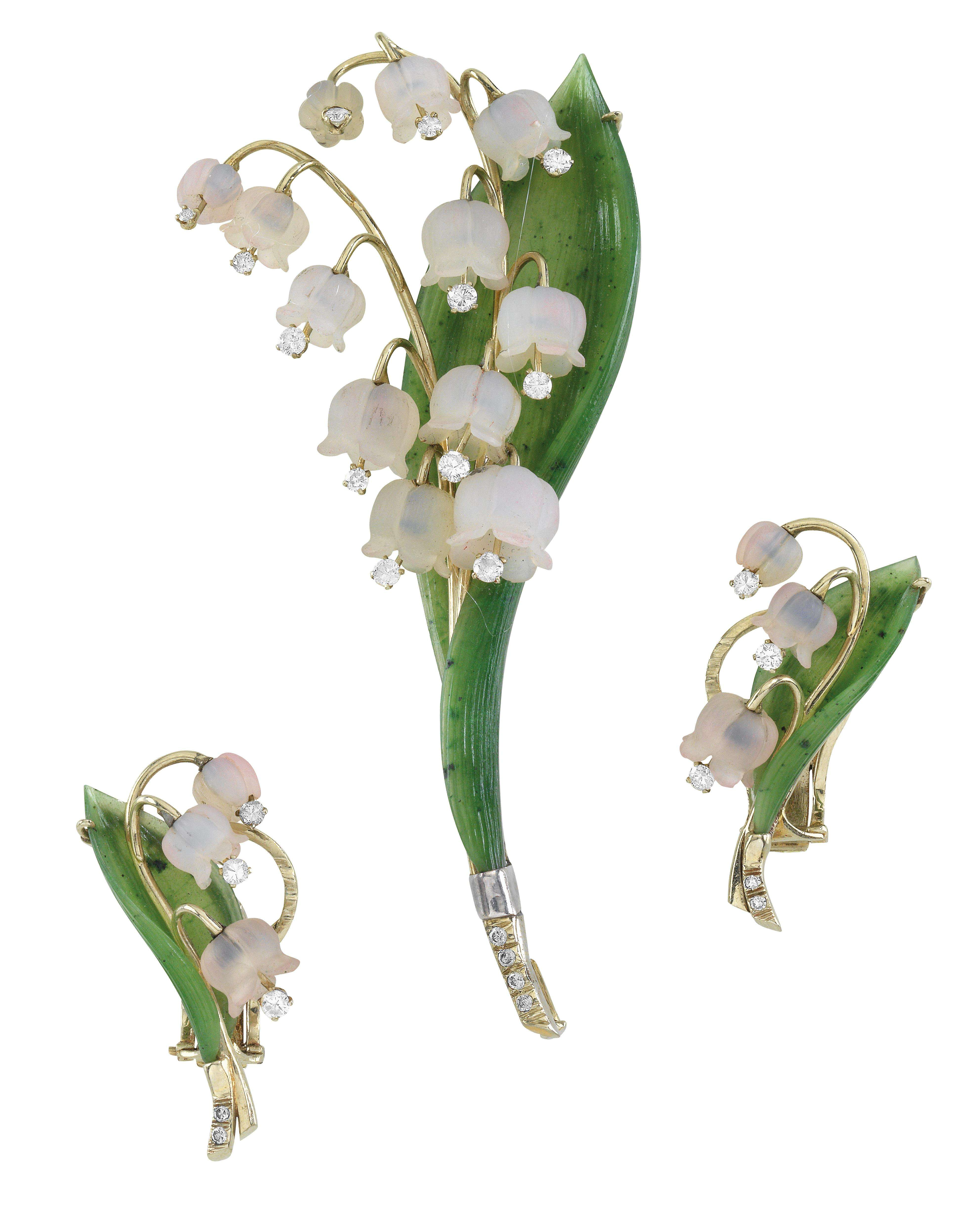 and leaf green Czech seed beads UK seller white crystal White Flower Earrings yellow in ivory Lily of the Valley Earrings