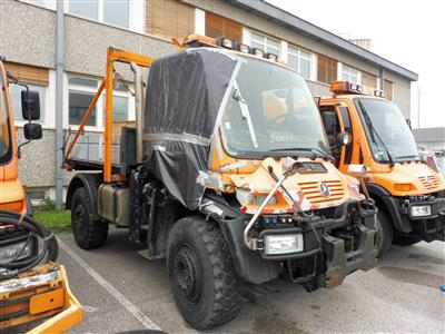 "Zugmaschine ""Mercedes Benz Unimog U500"", - Cars and Vehicles"